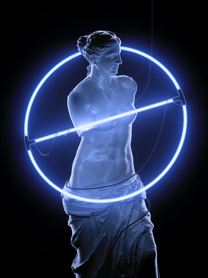 frl_neon_statue_